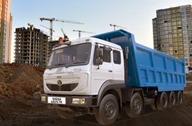 What are the Loading Capacity and Engine Specs of Tata Signa 4825.TK?