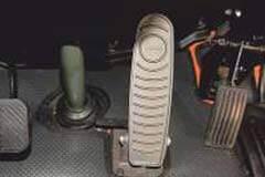 Tata Signa 3718 K Trucks accelerator pedal